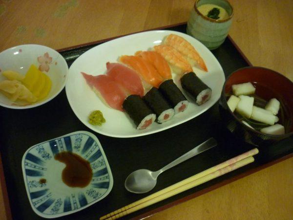 お寿司を食べました